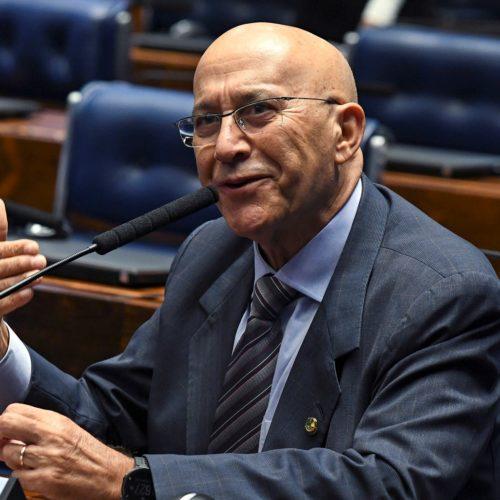 Projeto do senador Confúcio Moura prevê a disponibilização de cardápios em braile