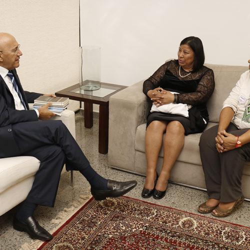 Observatório Latino-Americano sobre Tráfico de Pessoas apresenta agenda ao senador Confúcio Moura