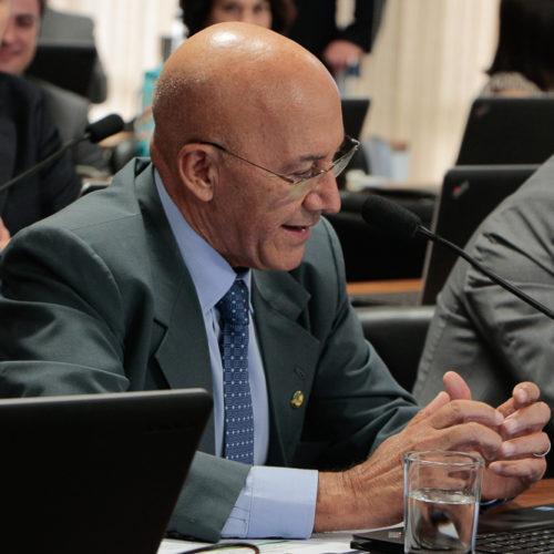 Projeto de Confúcio Moura propõe inserir senadores em atividades cívicas e educativas