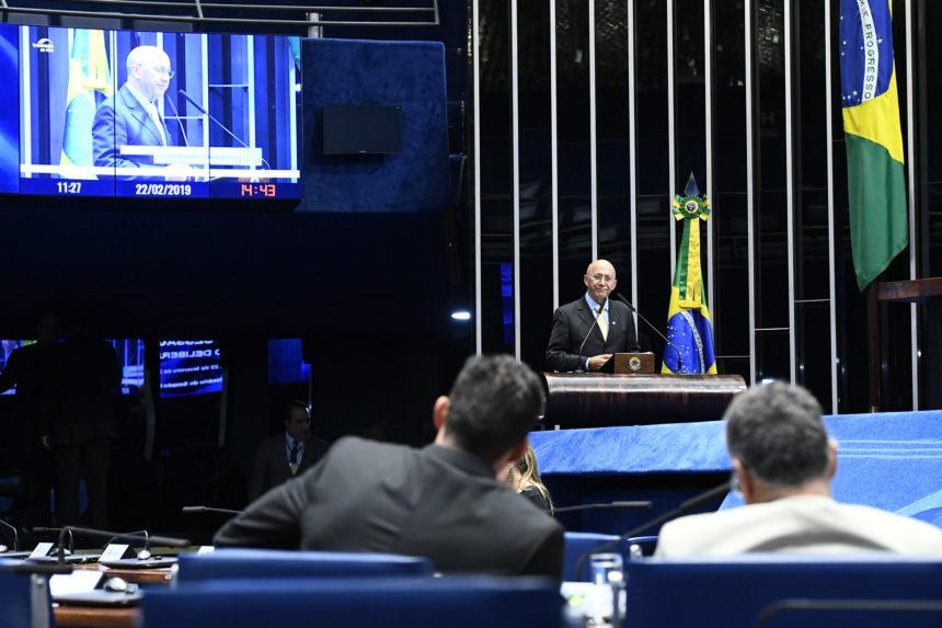 Considerações a respeito da participação do Ministro da Educação, Ricardo Vélez Rodrigues, em audiência na Comissão de Educação, e a importância da educação em tempo integral no Brasil