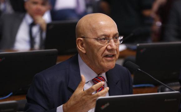 Confúcio Moura propõe que a Comissão de Ciência e Tecnologia não se limite a aprovações rotineiras de concessões de Rádio e TV