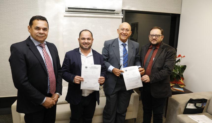 Mensagem dos vereadores de Vilhena,  Adilson de Oliveira, Romildo Macêdo e Célio Batista