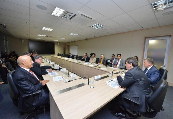 Bancada de Rondônia pressiona ministro da Infraestrutura e garante recursos para a conservação da BR-364