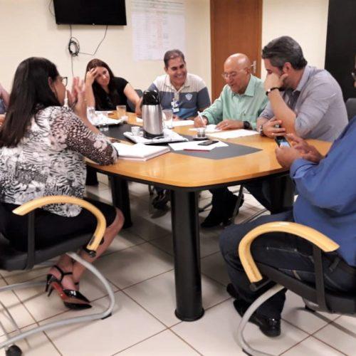 Senador Confúcio Moura convida deputados para serem parceiros dos municípios