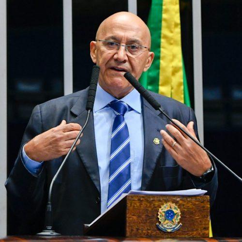 Confúcio Moura defende que Congresso assuma liderança na condução de saídas contra crise
