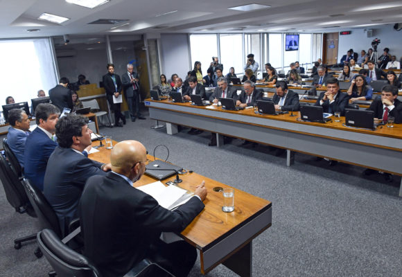Instalada comissão de MP sobre programa que substitui Mais Médicos