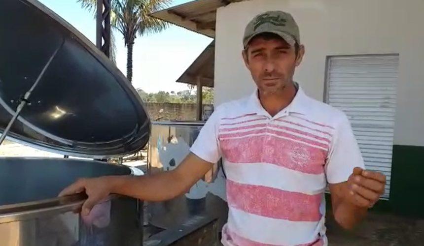 Dono de um pequeno laticínio no município Itapuã do Oeste, Edmilson agradece o apoio do senador Confúcio Moura na implantação das agroindústrias em Rondônia