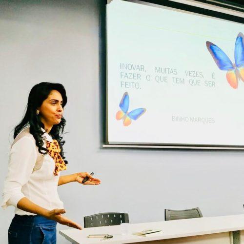 Rolim: Professora Iran Sandra Marcelino ministra palestra para diretores das escolas municipais e fala de capacitação sobre os desafios da gestão