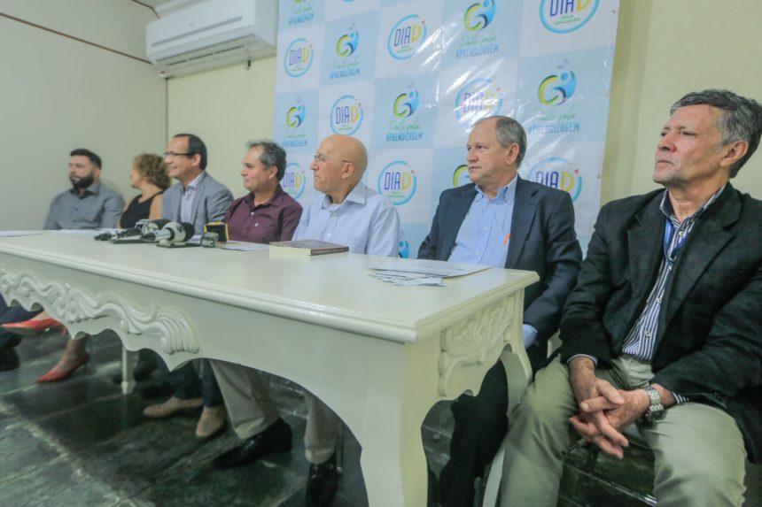 Confúcio Moura apresenta Pacto Pela Aprendizagem em coletiva com a imprensa de Porto Velho