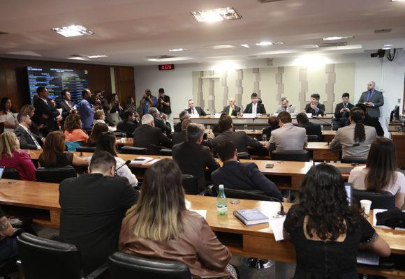 Comissão Mista que institui o programa Médicos pelo Brasil define a realização do Revalida duas vezes por ano