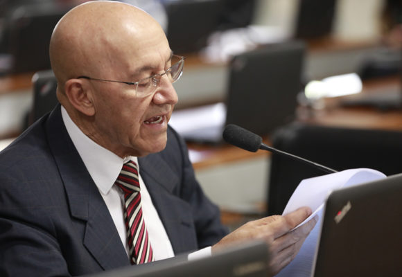 Senador Confúcio Moura relata projeto que beneficia estudantes com transtorno de déficit de atenção