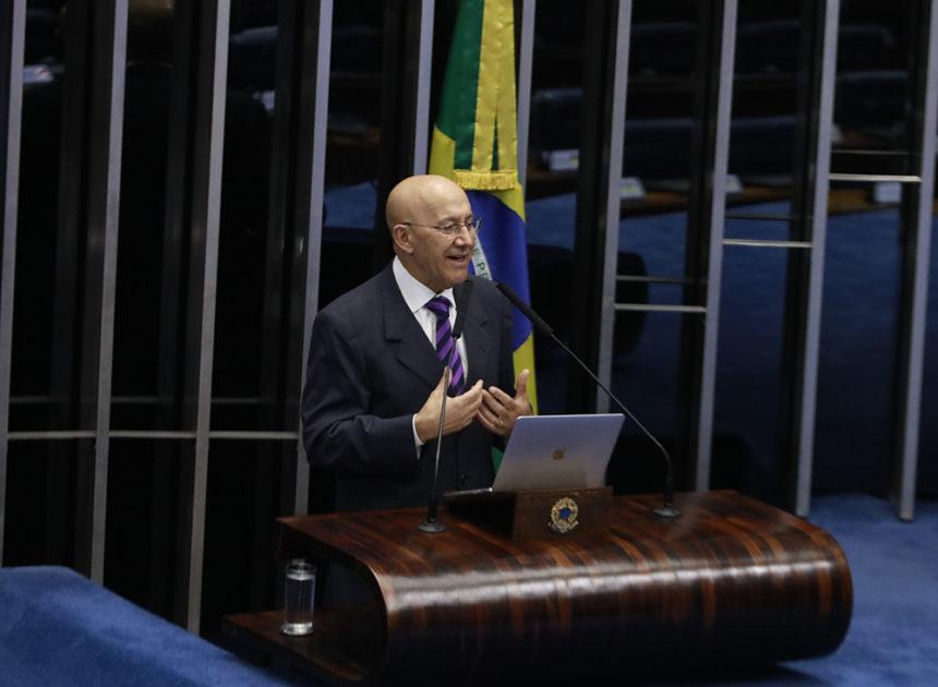 """""""Não tem essa, de falar que vai acabar com o Incra. Ele tem que ser fortalecido"""", declara o senador Confúcio Moura"""