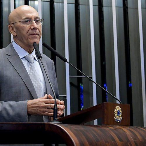 Confúcio Moura elogia implantação do programa Médicos pelo Brasil