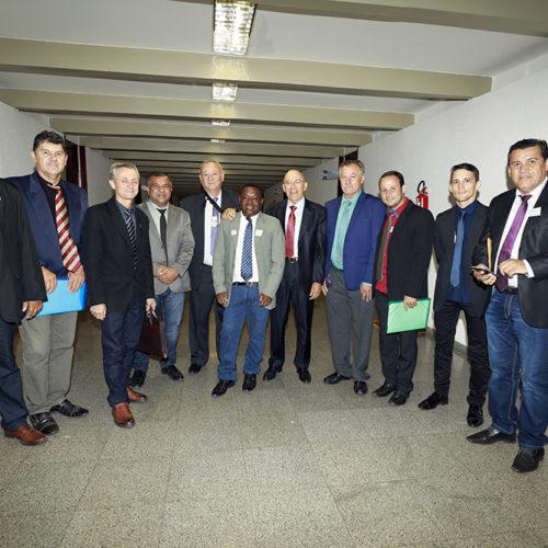 Cacaulândia recebe apoio do senador Confúcio Moura nas áreas de educação e infraestrutura