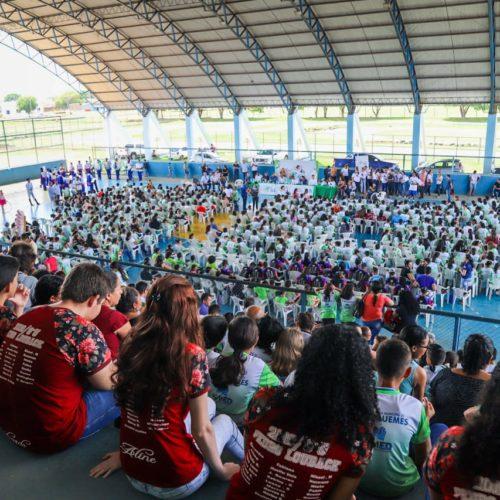 Aluno Atleta do IDEB é lançado em Ariquemes, com mais de 1,3 mil estudantes da rede municipal e autoridades do Vale do Jamari