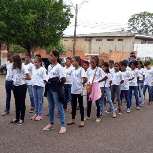 Projeto Pacto pela Aprendizagem leva Alunos Atleta do IDEB de Itapuã do Oeste para um passeio em Porto Velho
