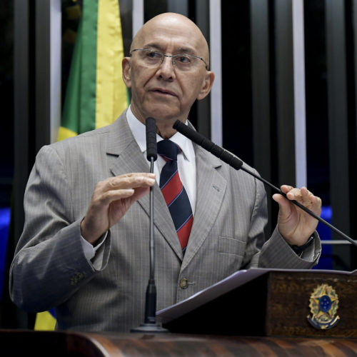 Confúcio Moura cobra providência do Itamaraty para amparar brasileiros residentes e domiciliados na Bolívia