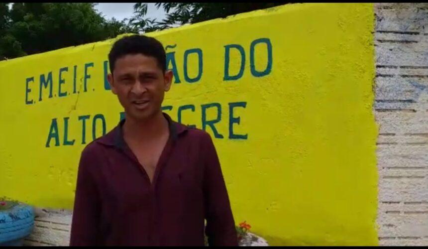 Valmir, produtor rural de Alto Paraíso, solicita do senador Confúcio Moura quadra esportiva para a escola União de Alto Alegre