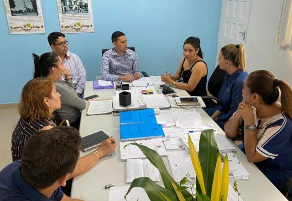 Prefeito Cicero Noronha recebe assessoria do gabinete do senador Confúcio Moura e trata sobre projeto de internet