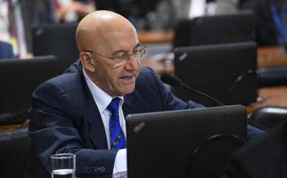 Confúcio Moura diz que pronunciamento de Bolsonaro o coloca em conflito dentro do próprio governo