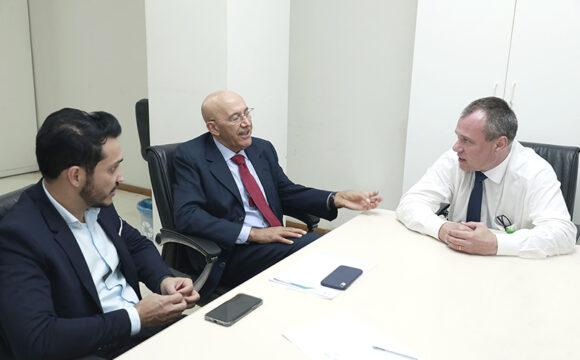 Confúcio Moura e o secretário de Saúde de Rondônia buscam parcerias e recursos do Ministério da Saúde para ajudar Barco Hospital