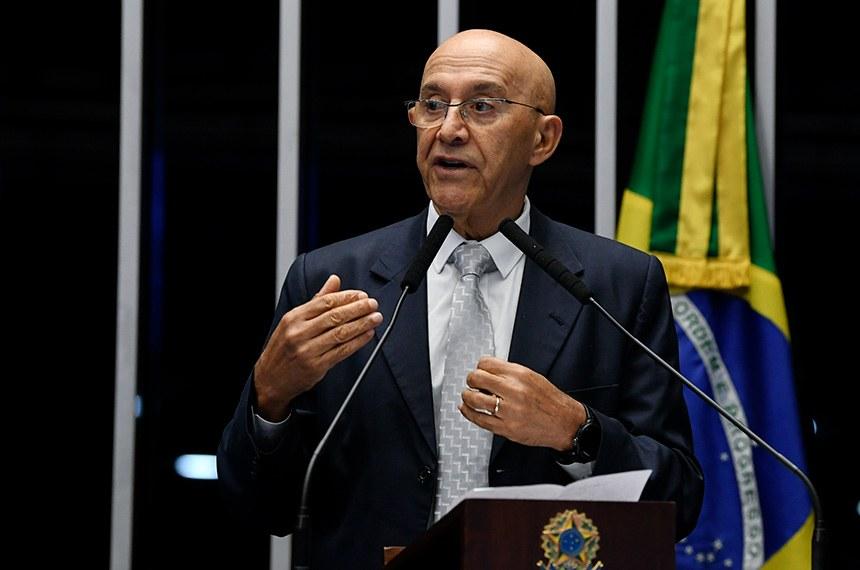 Confúcio Moura pede que governo pare de 'embromação' em relação a servidores de Rondônia