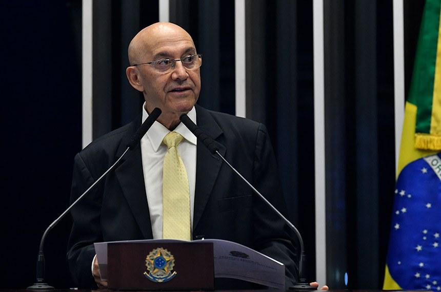 Confúcio Moura lamenta e classifica como desnecessária a participação do Palácio do Planalto em favor de manifestações contra o Congresso Nacional e o Supremo