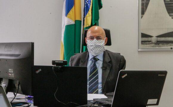 Vídeo-Confúcio Moura comemora vacina e destaca atuação de comissão para o combate à Covid-19