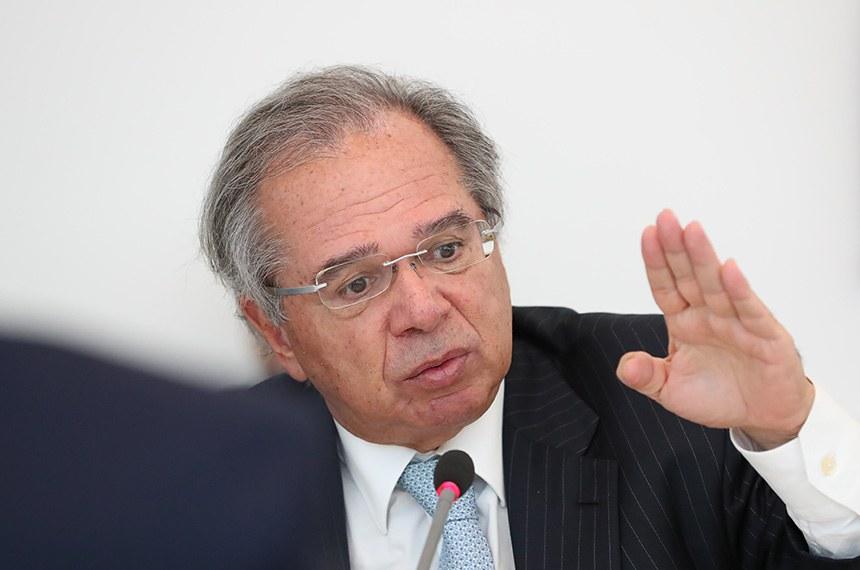 Ministro Paulo Guedes fala à comissão mista da Covid-19 nesta terça-feira