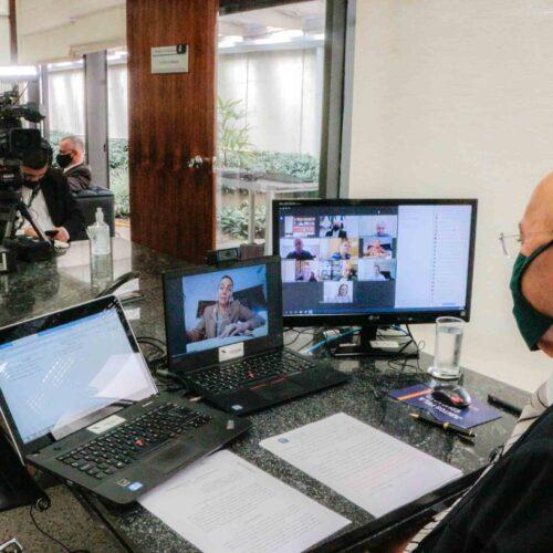 Crise fechou 522 mil empresas no Brasil, aponta IBGE