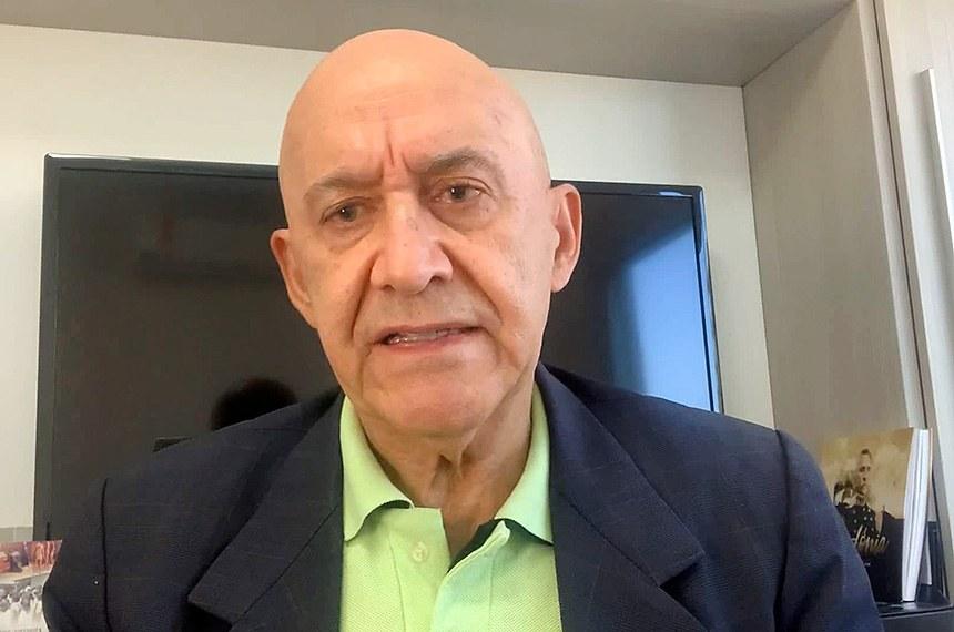 Confúcio Moura defende retorno às aulas e investimentos para as escolas