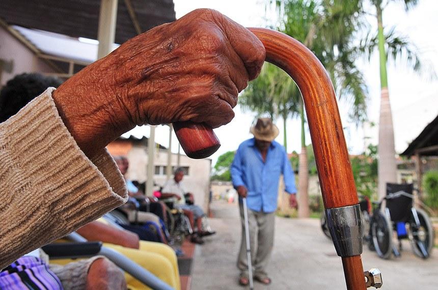 Abrigos de idosos não receberam nada do orçamento contra covid já liberado