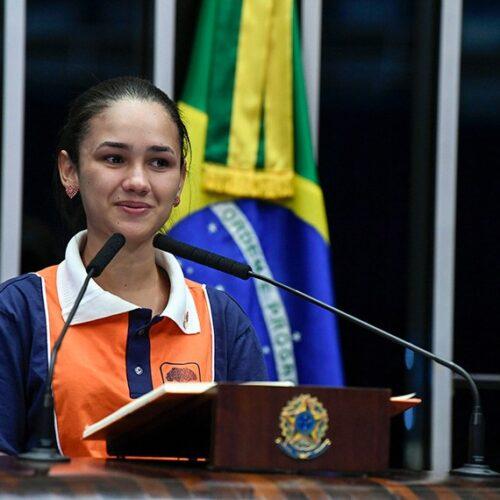 Confúcio Moura parabeniza vereadora eleita de Buritis que participou do programa Jovem Senador em 2019